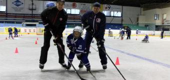 Špičkoví hokejisté se věnovali našim malým campistům